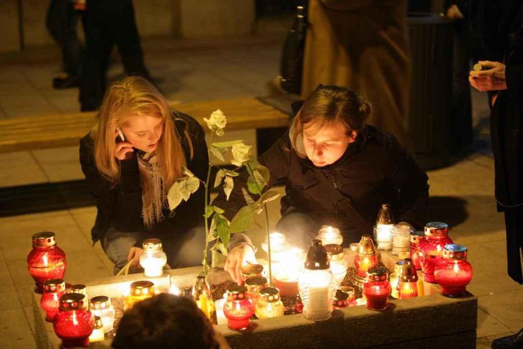 Zwei Mädchen in Warschau