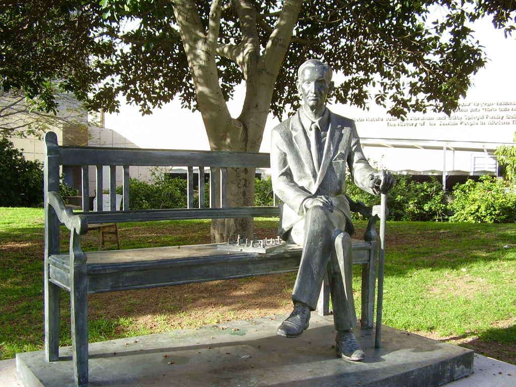 Statue Jan Karski