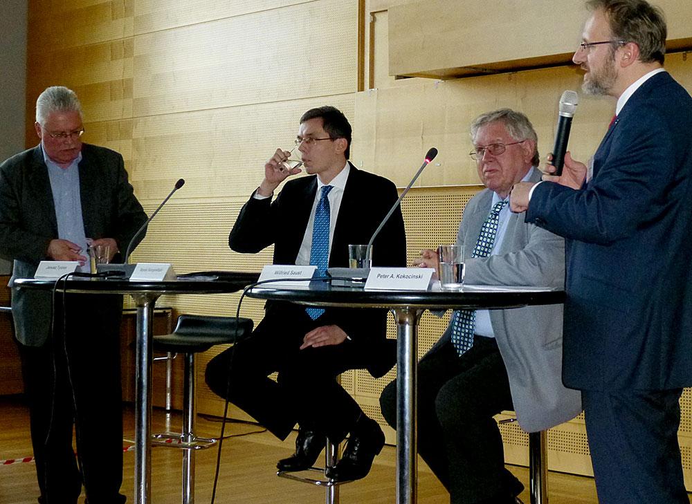 Diskussionsrunde im Kieler Landtag