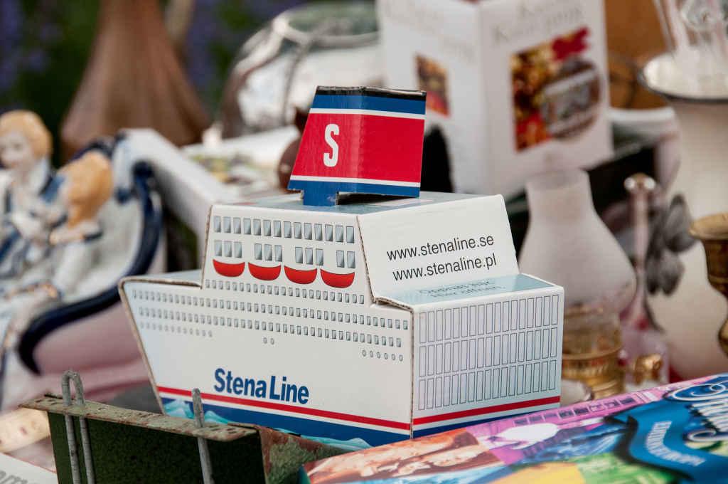 Modell einer Stena-Line-Fähre aus Pappe