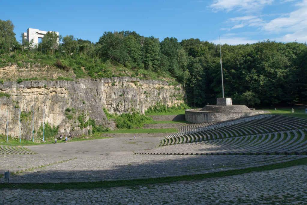 Freilichttheater und Denkmal der aufständischen Tat