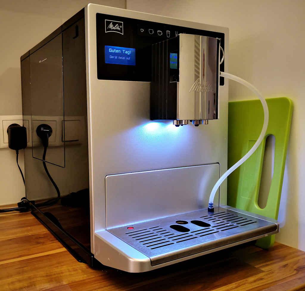 Vorderansicht eines Kaffeevollautomaten Melitta Caffeo CI