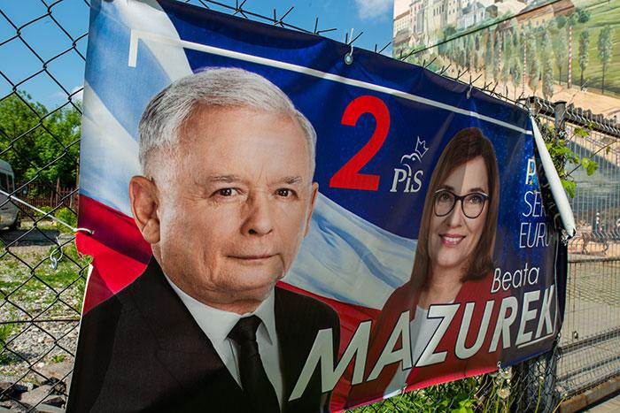 Wahlplakat der Partei Recht und Gerechtigkeit (PiS) in Lublin.