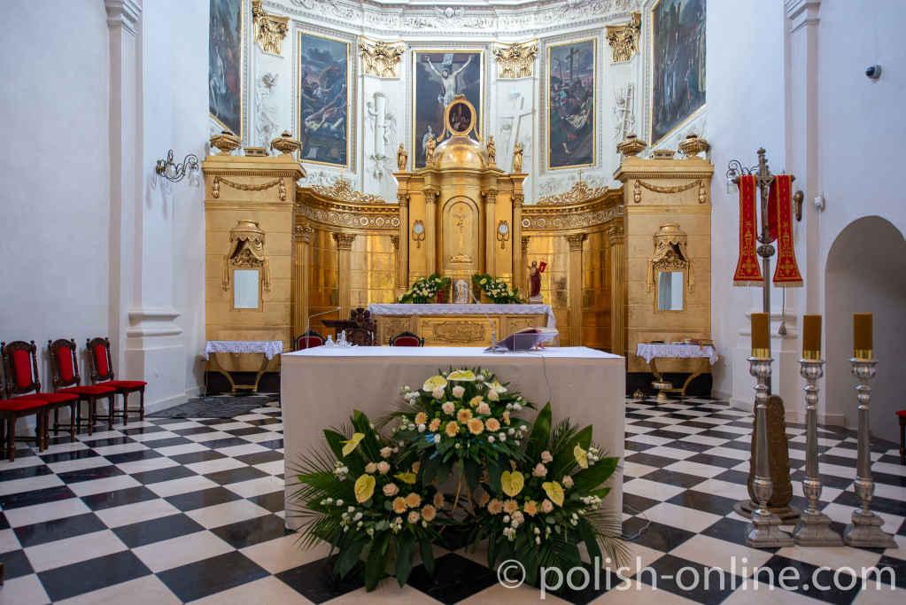 Vergoldeter Altar in der Dominikanerkirche in Lublin