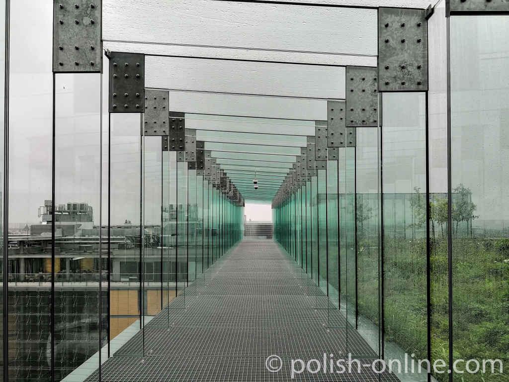 Glasüberdachter Gang Lubliner Kulturzentrum