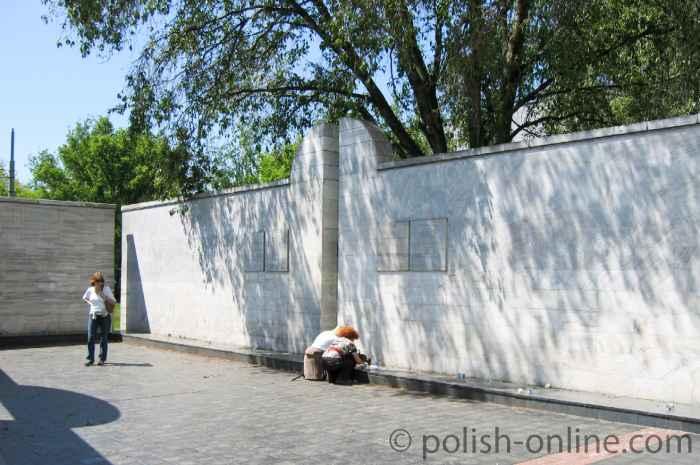 Denkmal am Umschlagplatz in Warschau