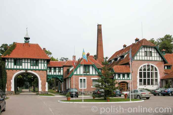 Torhaus im Gestüt Cadinen (Kadyny)