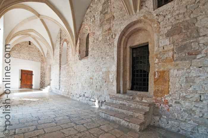 Romanische Kirchenwand Tyniec