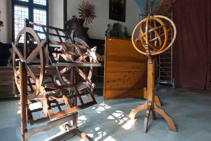 Astronomische Instrumente in der Libraria der Jagiellonen-Uni in Krakau