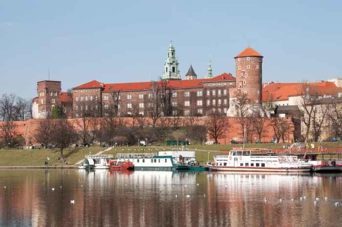Blick über die Weichsel auf die Wawel-Burg Krakau