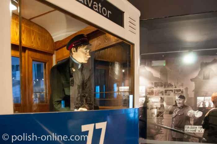 Straßenbahn im Oskar-Schindler-Museum Krakau