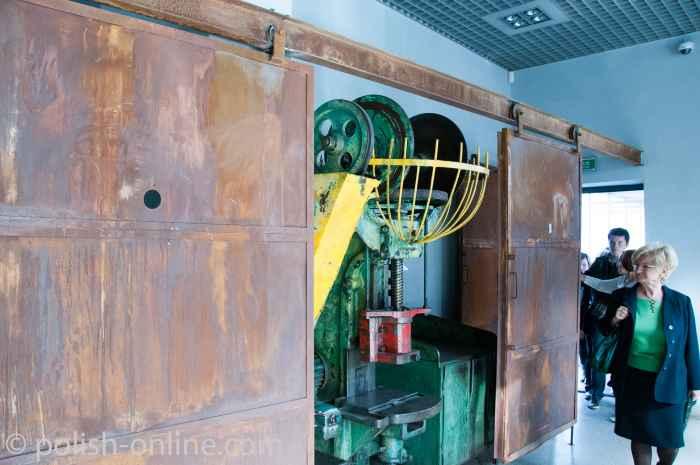 Maschine aus der Emaillefabrik Oskar-Schindler-Museum Krakau