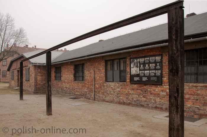 Galgen im Stammlager des KZ Auschwitz