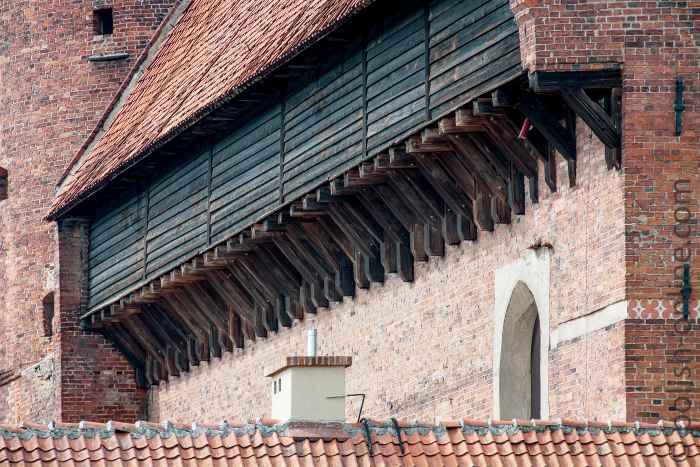 Wehrgang der Burg von Allenstein (Olsztyn) in Polen