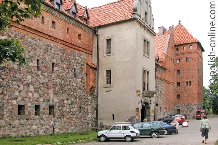 Eingang zur Ordensburg in Bütow