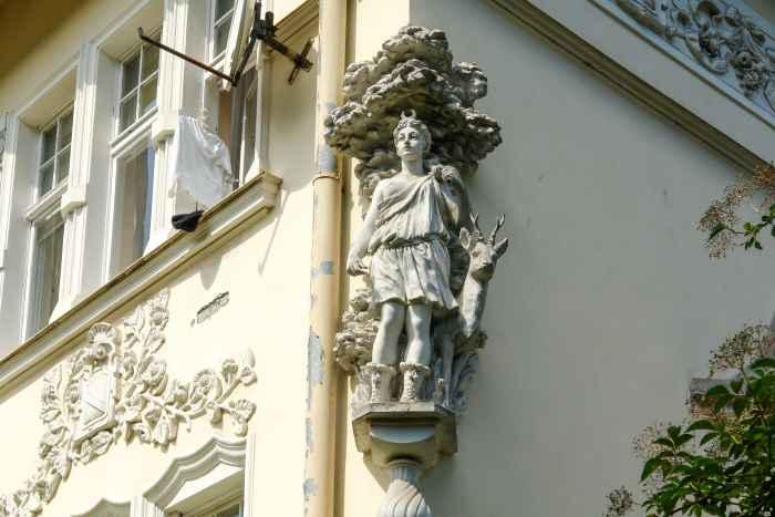Eckfigur Göttin Artemis
