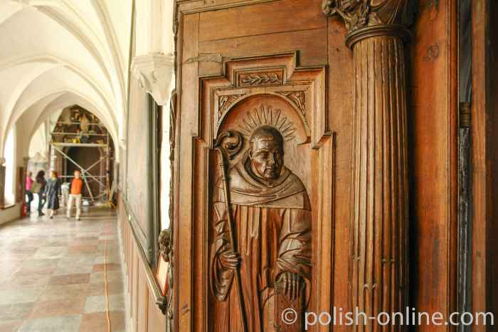Eichentür im Zisterzienserkloser Oliva