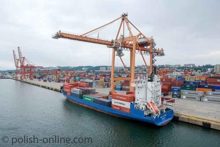 Kräne im Containerhafen Gdingen (Gdynia)