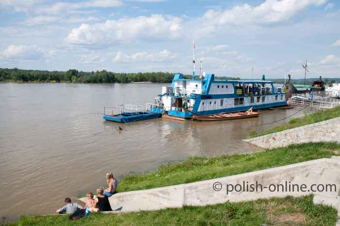 Schiffsanleger in Kazimierz Dolny
