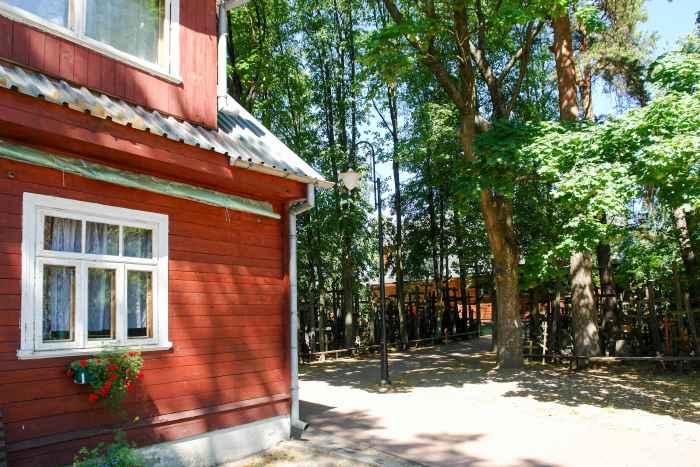 Holzhaus im Kloster Grabarka in Polen
