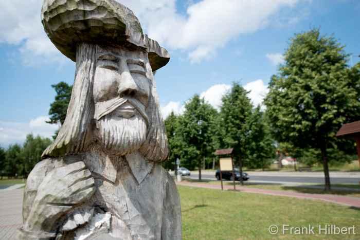 Holzfigur in Groß Born (Borne Sulinowo)