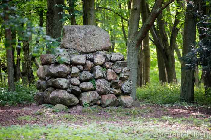 Gedenkstein im Kurpart von Bald Polzin (Połczyn Zdrój)