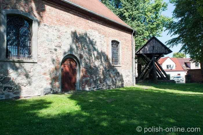 Südseite der Dreifaltigkeitskirche Tempelburg