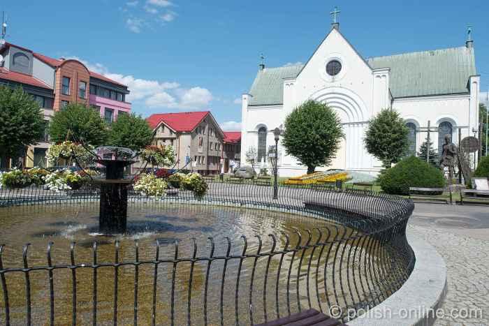 Heiligkreuz-Kirche am Markt von Tempelburg (Czaplinek)