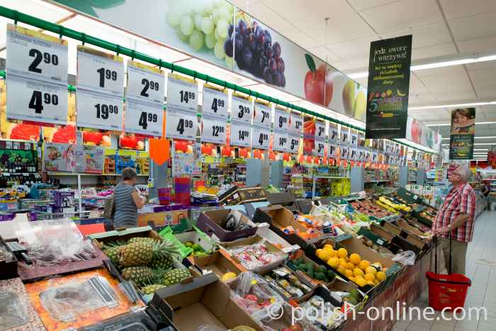 Obst- und Gemüsestand in einem Supermarkt