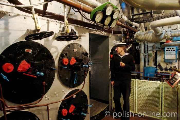 Maschinenraum des Zerstörers Błyskawica in Gdingen (Gdynia)