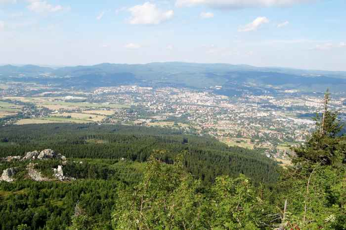 Blick vom Isergebirge auf die tschechische Stadt Liberec