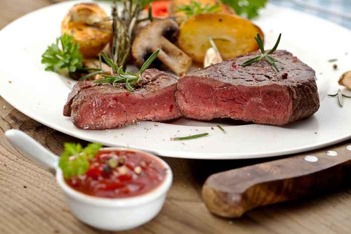 Beefsteak mit Champignons