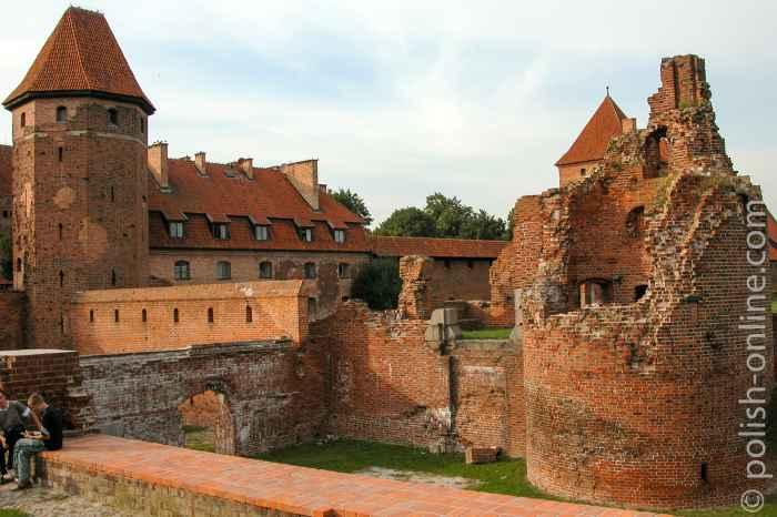 Zerstörter Turm der Marienburg in Polen