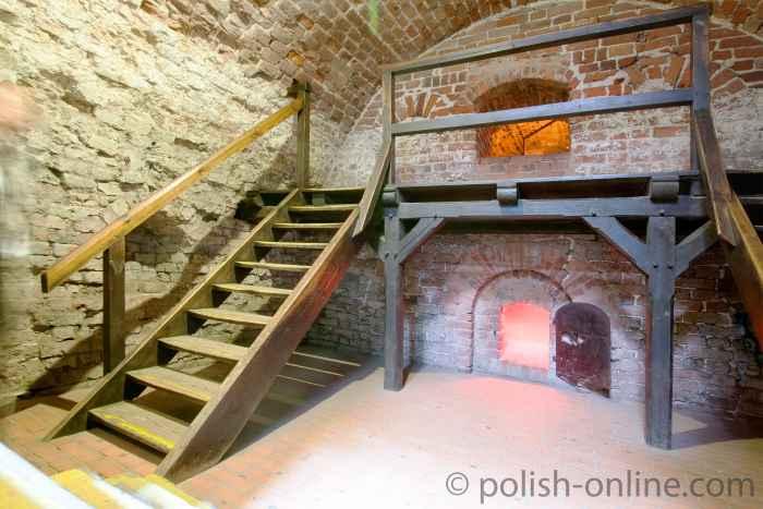 Foto vom mittelalterlichen Heizraum der Marienburk in Polen.