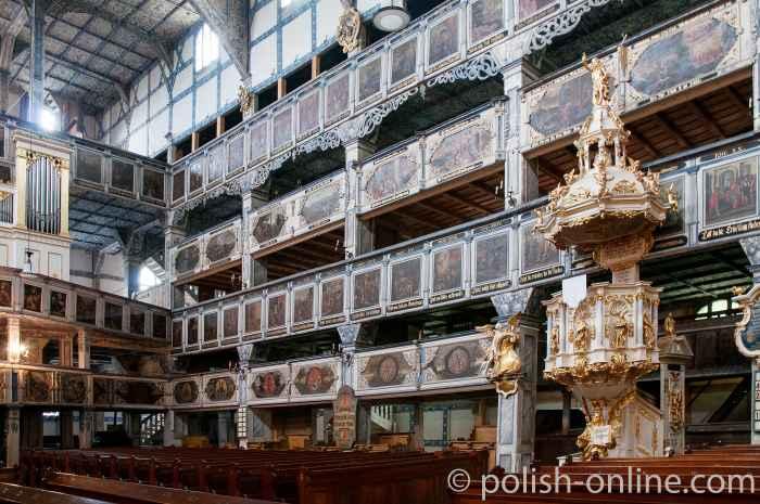 Kanzel und Emporen in der Friedenskirche in Jawor