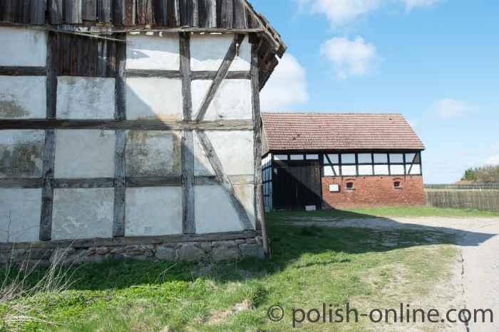Zwei Fachwerkscheunen in Schwolow (Swołowo) Polen