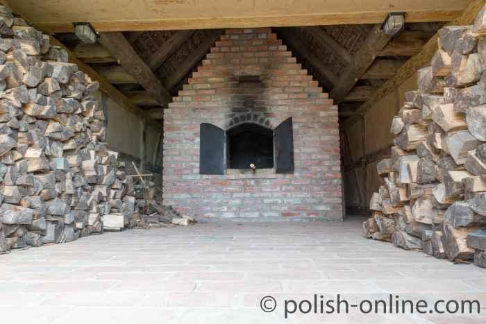 Backofen im Freilichtmuseum Schwolow (Swołowo) in Pommern