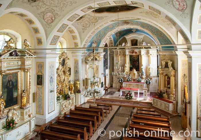 St. Florian-Kirche in Uszew von Innen