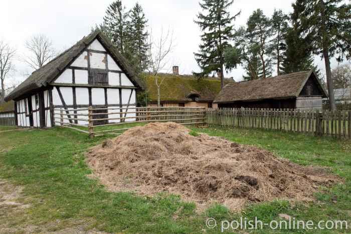 Historischer Bauernhof im Slowinzischen Freilichtmuseum in Kluki