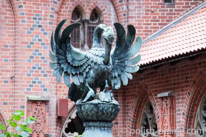 Spitze des Brunnens im Hochschloss der Marienburg