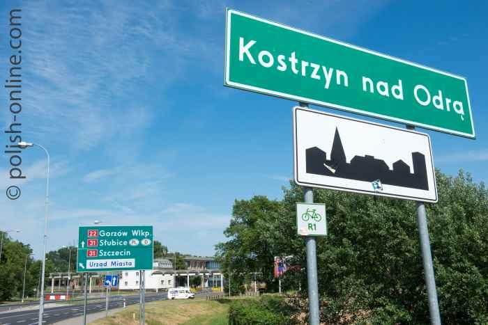 Ortsschild von Küstrin an der deutsch-polnischen Grenze