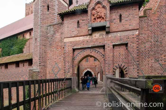 Marienburg - Vortoranlage des Hochschlosses