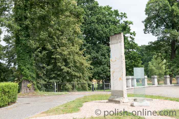 Fragment Berliner Mauer Kreisau, Polen