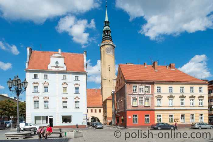 Markt und Rathausturm in Brieg (Brzeg)