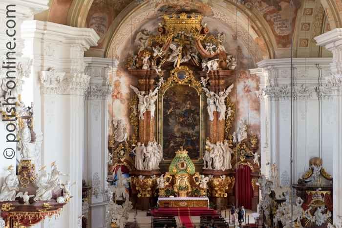 Hauptaltar der Kirche Mariä Himmelfahrt im Kloster Grüssau