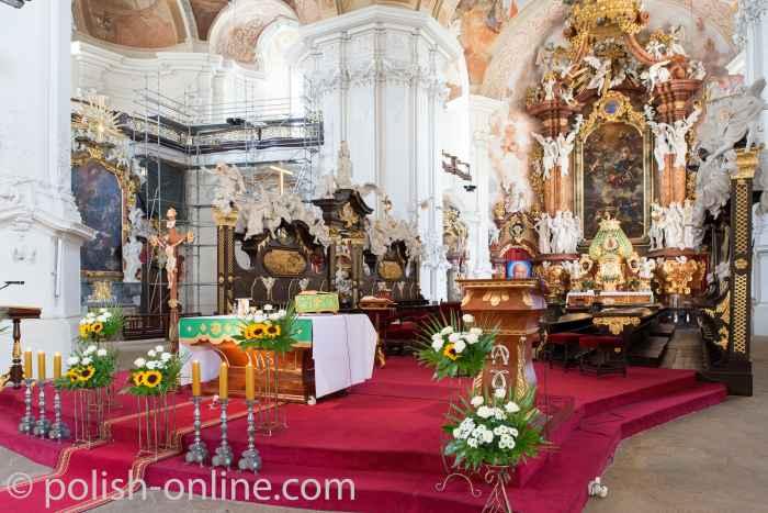Presbyterium in der Abteikirche des Klosters Grüssau