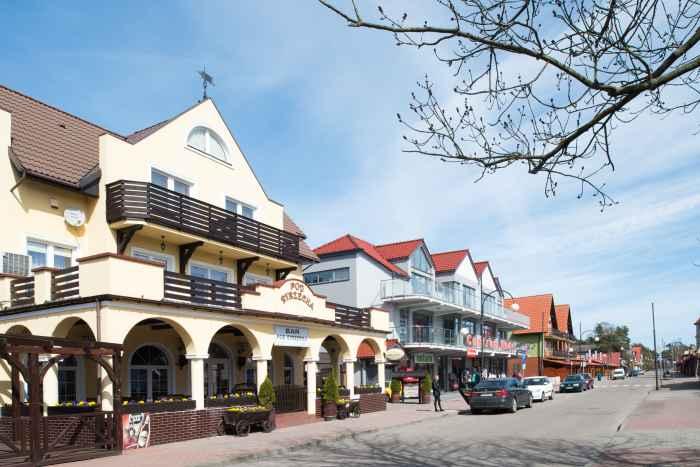 Pensionen und Restaurants im Ostseebad Leba an der polnischen Ostsee