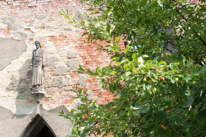 Ruine Salvatorkirche in Bad Landeck (Lądek Zdrój)