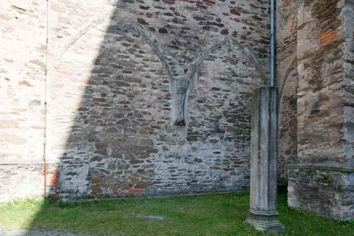 Gotische Spitzbögen Kloster Kamenz (Kamieniec Ząbkowicki)