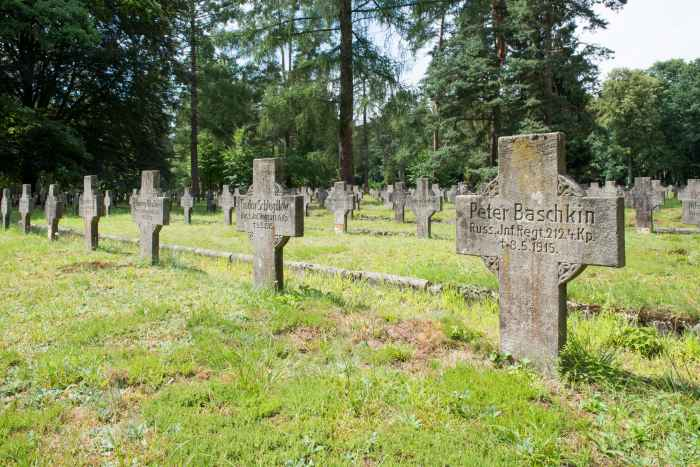 Grab eines russischen Soldaten in Lamsdorf